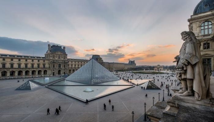 Le Louvre - Rugby Tours To Paris, Irish Rugby Tours
