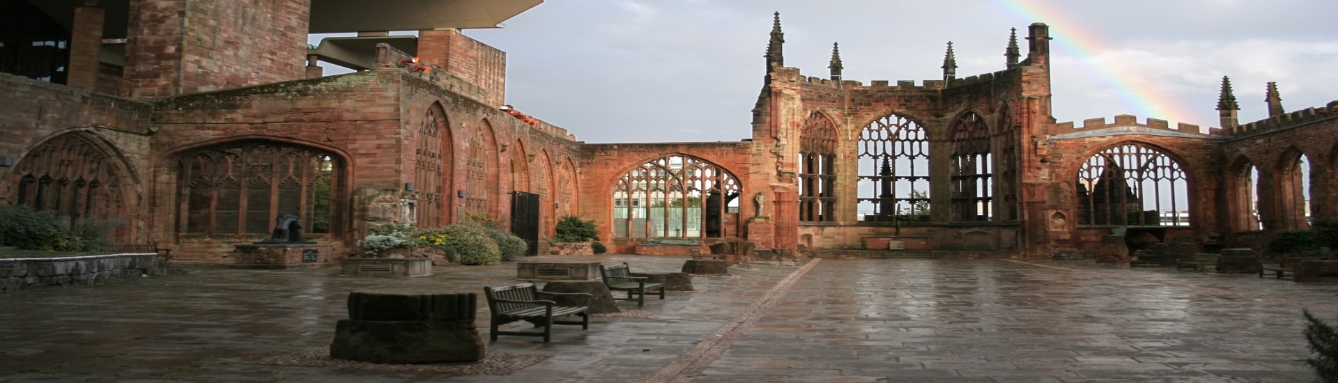 Coventry Cathedral Ruins - Rugby Tours To Warwick