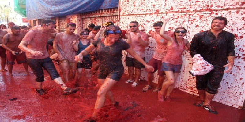 La Tomatina - Spectacular Spain, Irish Rugby Tours, Rugby Tours To Spain
