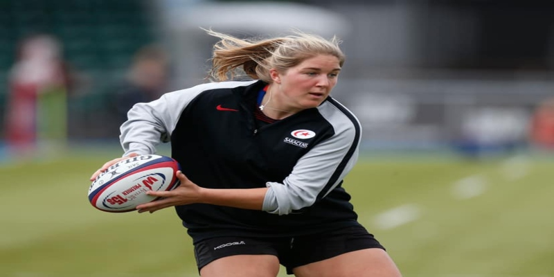 5 Women Rugby Players